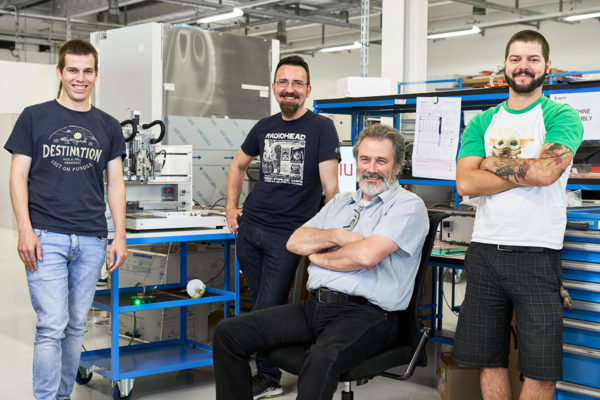 REGENHU-Switzerland-3d-bioprinting-instrument-bio-3d-bioprinter-ProductionTeam-0001