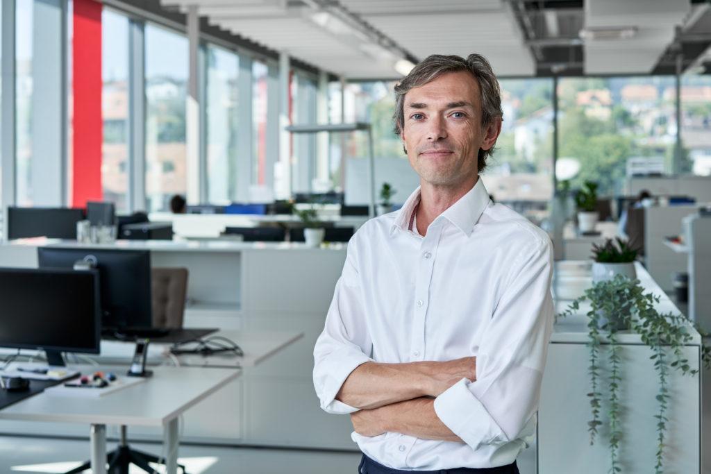 REGENHU-SWITZERLAND-3DBIOPRINTING-SimonMacKenzie-CEO-003