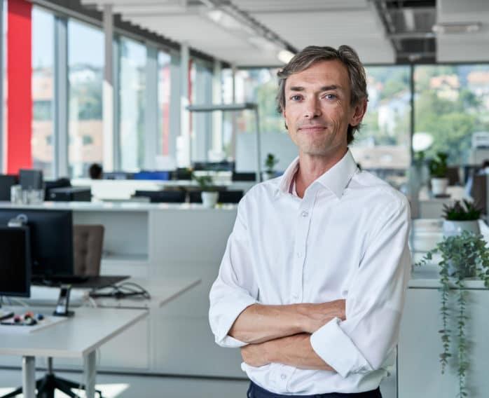 Simon MacKenzie - REGENHU CEO