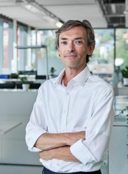 REGENHU-SWITZERLAND-3DBIOPRINTING-SimonMacKenzie-CEO-001